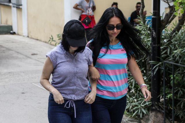 Στον εισαγγελέα η 19χρονη – Ζητά να πάρει πίσω το μωρό της | tanea.gr