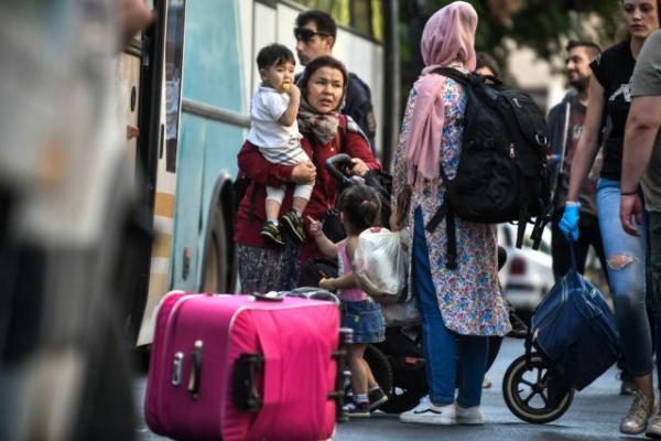 Στην Κόρινθο οι μετανάστες από τις καταλήψεις στην Αχαρνών | tanea.gr