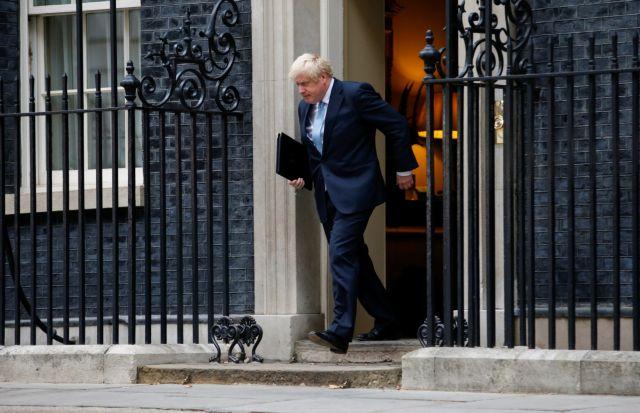 Brexit: Με εκλογές απειλεί ο Τζόνσον, όλα τα σενάρια | tanea.gr