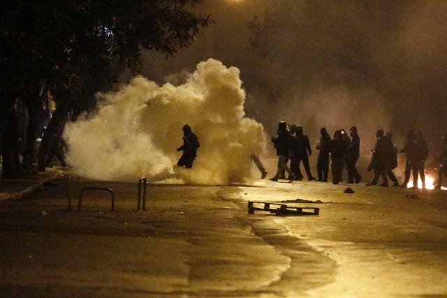 Αποκάλυψη των «ΝΕΩΝ»: Αποσύρει τα ληγμένα δακρυγόνα η ΕΛ.ΑΣ. | tanea.gr