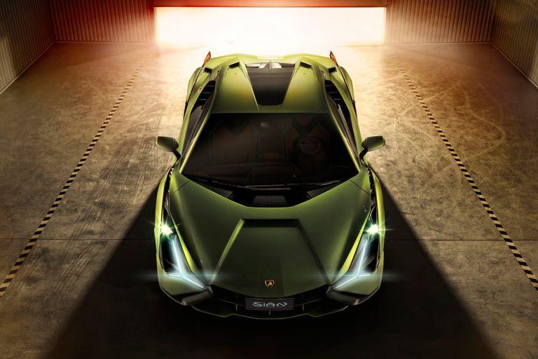 Lamborghini: Το πρώτο υβριδικό της μοντέλο πατάει γκάζι | tanea.gr