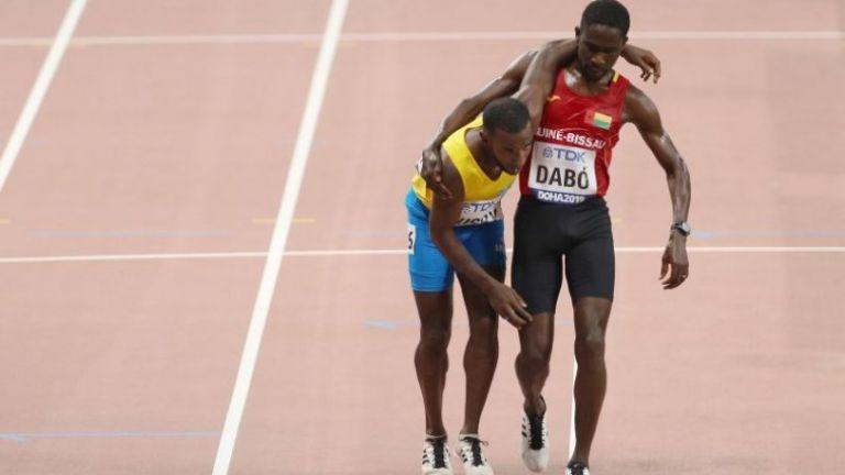 Ντόχα : Ο συγκλονιστικός τερματισμός δύο αθλητών | tanea.gr