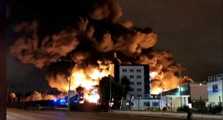 Γαλλία: Στις φλόγες εργοστάσιο χημικών στη Ρουέν | tanea.gr