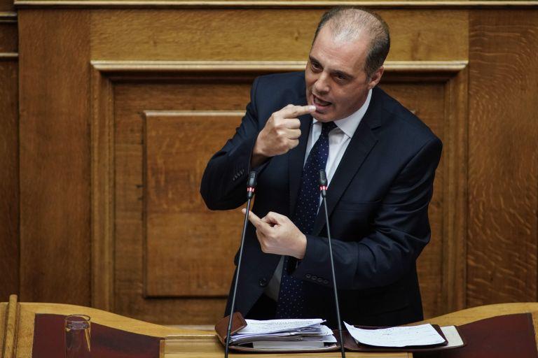 Βελόπουλος για Μόρια : Οι «λαθροεισβολείς» βάζουν μόνοι τους φωτιές   tanea.gr