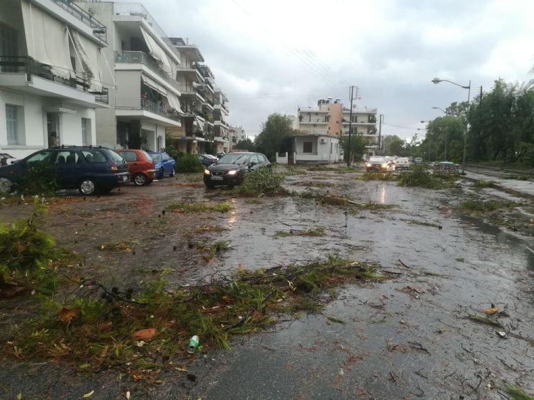 Ανεμοστρόβιλος εφόρμησε στην Καλαμάτα | tanea.gr