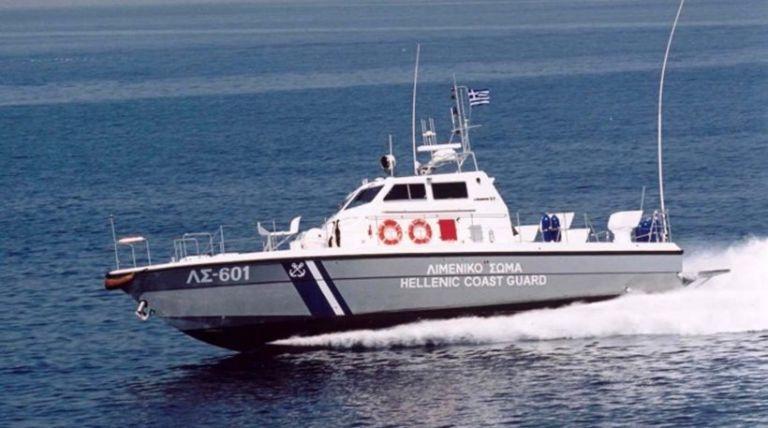 Κυβερνήτης λέμβου λιποθύμησε εν πλω   tanea.gr