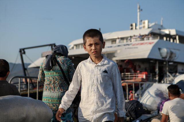 Εφτασε στη Θεσσαλονίκη το δεύτερο κύμα προσφύγων από τη Λέσβο- Ανήσυχοι οι κάτοικοι | tanea.gr