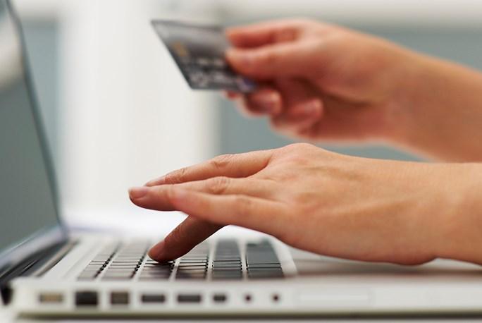 Δείτε τι αλλάζει από Δευτέρα στις πληρωμές με κάρτες | tanea.gr