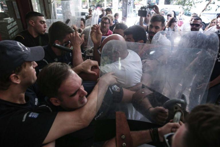 Φτάνει πια, αντισταθείτε. Μην μετατρέπετε την Ελλάδα σε Οργουελική κοινωνία | tanea.gr