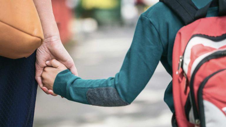 Έξυπνες συμβουλές για τους γονείς πριν ανοίξουν τα σχολεία από την ΕΚΠΟΙΖΩ | tanea.gr