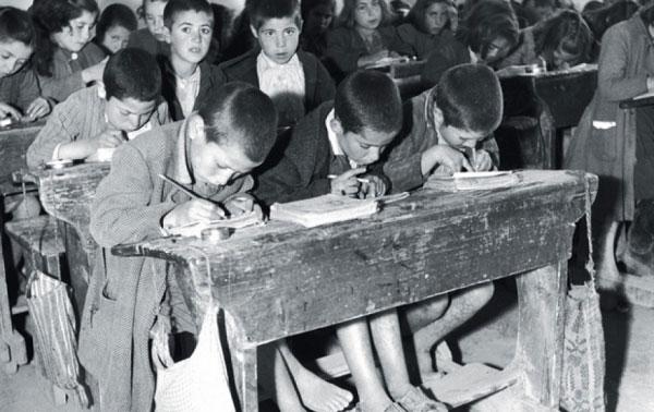 Εκπληκτικές φωτογραφίες από τη σχολική ζωή μιας άλλης εποχής | tanea.gr