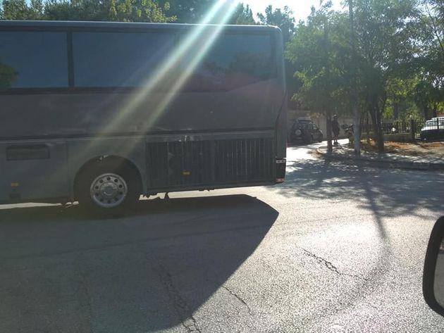 Θεσσαλονίκη: Δείτε πού πάρκαρε το τουριστικό λεωφορείο | tanea.gr