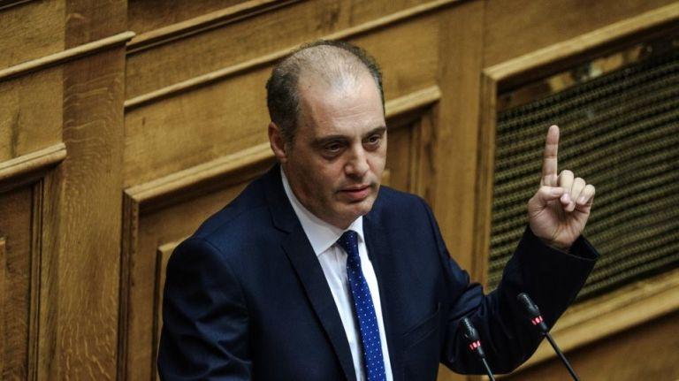 Politico: Ο Βελόπουλος πουλά εθνικισμό όπως τα γιατροσόφια για τη φαλάκρα | tanea.gr