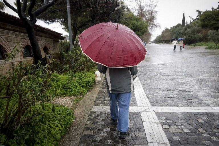 Αλλαγή καιρού: Βροχές, καταιγίδες και μικρή πτώση της θερμοκρασίας   tanea.gr