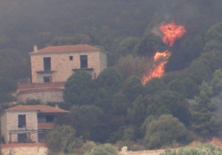 Πυρκαγιά στη Ζάκυνθο: Εκκένωση χωριών Αγαλά και Κερί   tanea.gr