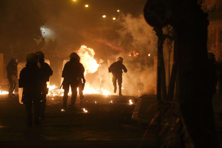 Ανάληψη ευθύνης για την επίθεση κατά αστυνομικών στην Καλλιδρομίου | tanea.gr