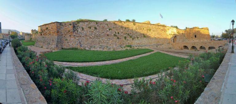 Χίος : Το φρούριο της πρωτεύουσας, το αλλοτινό κέντρο του νησιού   tanea.gr