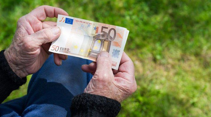 Πόσα χρήματα μπορούν να εισπράξουν χιλιάδες συνταξιούχοι - Αναλυτικά τα ποσά | tanea.gr