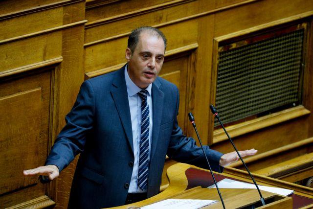 Βελόπουλος για αντικαπνιστικό νόμο : «Και τα παϊδάκια κάνουν κακό στην καρδιά. Θα τα κόψουμε;» | tanea.gr