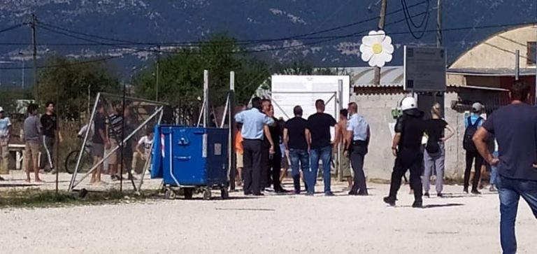 Ιωάννινα : Πρόσφυγες υποδέχτηκαν με πέτρες νέους πρόσφυγες | tanea.gr