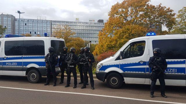 Γερμανία : Πυροβολισμοί σε συναγωγή – Δύο νεκροί | tanea.gr