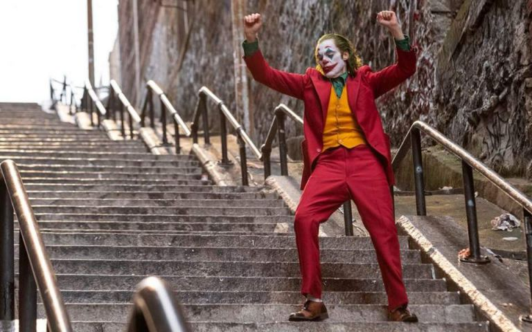 Must αξιοθέατο της Νέας Υόρκης οι σκάλες του Μπρονξ που χόρεψε ο κινηματογραφικός «Joker» | tanea.gr