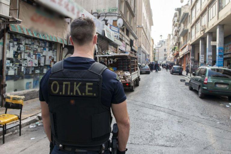 Αστυνομική επιχείρηση κατά του παρεμπορίου στο κέντρο της Αθήνας | tanea.gr