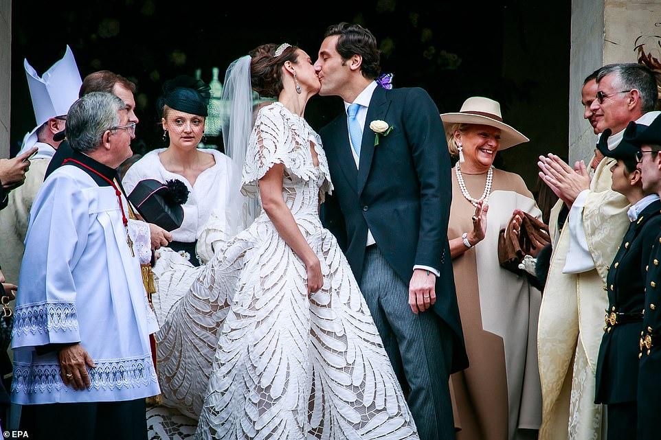 Αυτοκρατορικός γάμος : Ο τρισεγγονός του Ναπολέοντα με την κόμισσα του οίκου των Αψβούργων