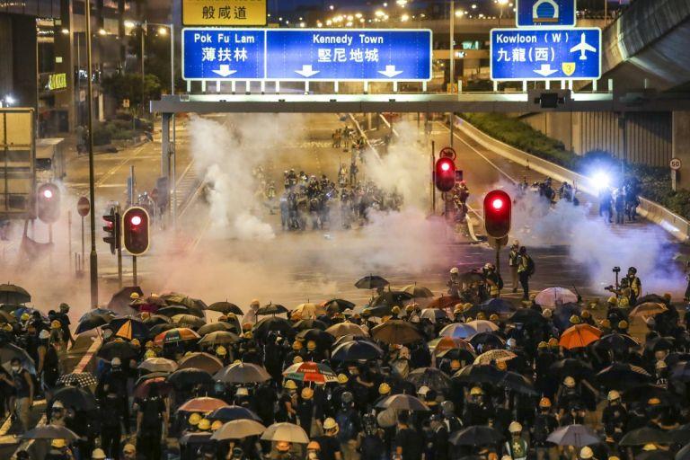 Χονγκ Κονγκ : Συνεχίζονται οι κινητοποιήσεις κατά του Πεκίνου   tanea.gr