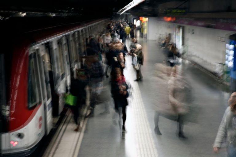 Αναστέλλεται η αυριανή στάση εργασίας σε μετρό, ηλεκτρικό και τραμ | tanea.gr