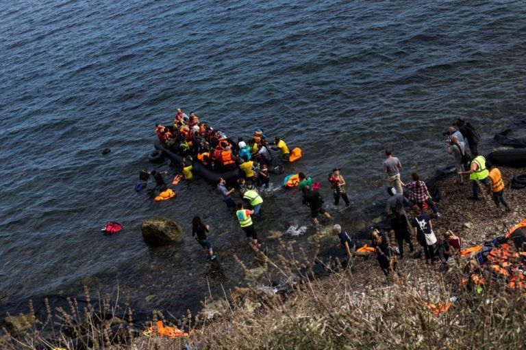 Εκτός ελέγχου οι αφίξεις μεταναστών : Πάνω από 640 από τη Δευτέρα | tanea.gr