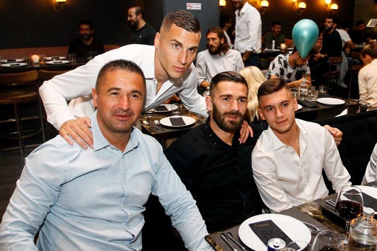 Έρχεται τιμωρία από την ΑΕΚ στους παίκτες για τα όσα συνέβησαν στο πάρτι του Βράνιες   tanea.gr