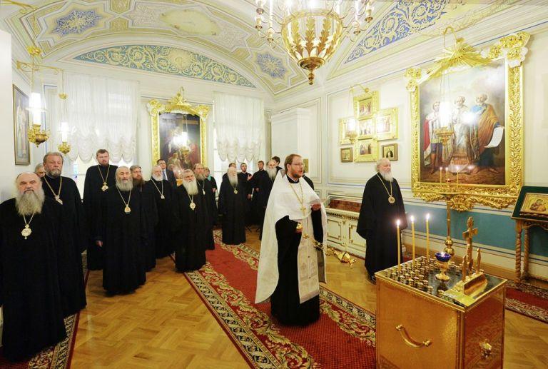 Η Ρωσική Εκκλησία απειλεί ότι θα «κόψει δεσμούς» με την Εκκλησία της Ελλάδας για το oυκρανικό | tanea.gr