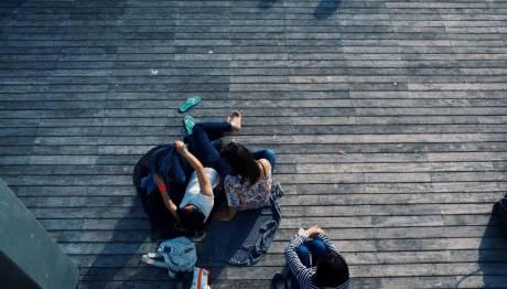 Ημέρα ψυχικής Υγείας : Αυτοκαταστροφικές τάσεις παρουσιάζουν οι νέοι από 18 έως 28 ετών   tanea.gr