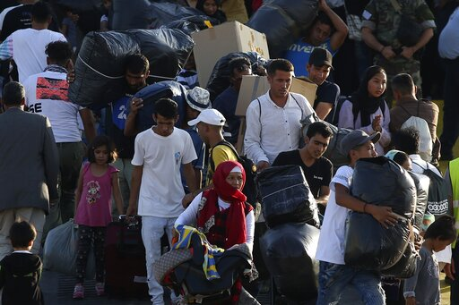 Πώς βλέπουν οι Έλληνες το Προσφυγικό : Τι πιστεύουν για κλειστά σύνορα και ΜΚΟ   tanea.gr