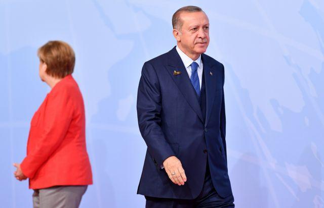 Υψωσε τον τόνο η Μέρκελ στον Ερντογάν : Φύγε από τη Συρία | tanea.gr