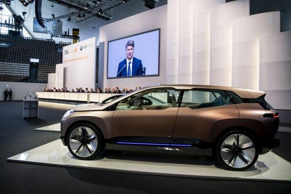 BMW: ΄Έως το 2021 θα κυκλοφορούν ένα εκατομμύριο ηλεκτρικά στους δρόμους | tanea.gr