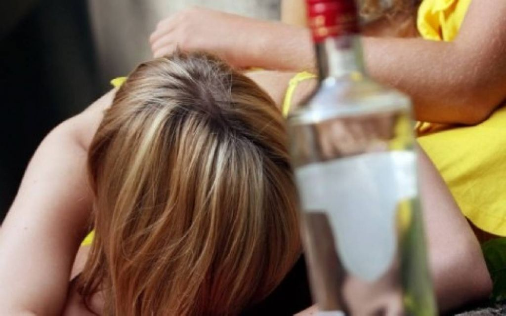 Αγρίνιο : Στο νοσοκομείο 16χρονη μετά από υπερβολική κατανάλωση αλκοόλ