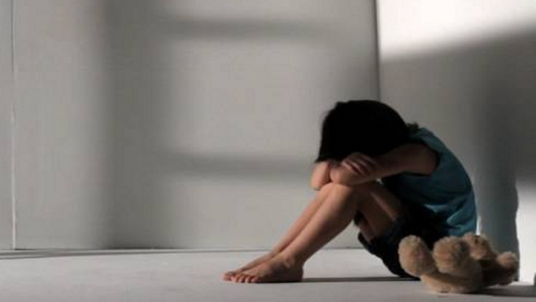 Νέες αποκαλύψεις για την κακοποίηση της 12χρονης – Τι λέει η μητέρα της | tanea.gr
