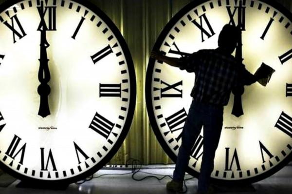 Αλλαγή ώρας : Δείτε πότε οι δείκτες θα πάνε μια ώρα μπροστά | tanea.gr