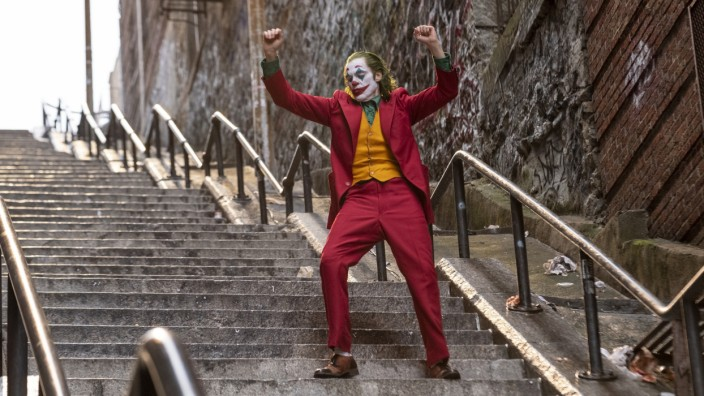 Joker : Πώς φθάσαμε στις εφόδους της ΕΛΑΣ στους κινηματογράφους | tanea.gr