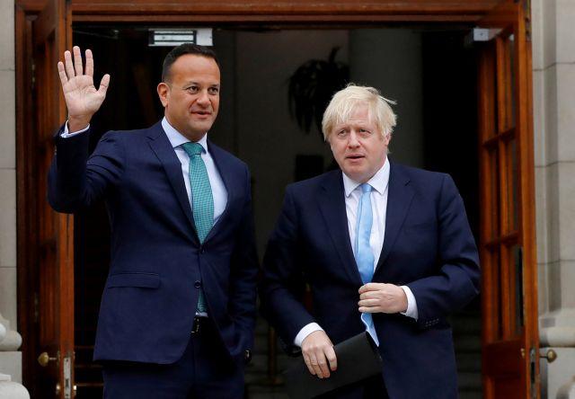 Brexit : Συνάντηση Τζόνσον – Βαράντκαρ για το backstop | tanea.gr