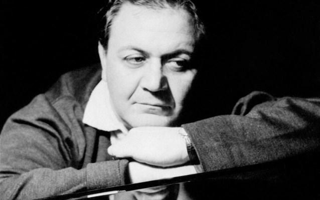 Μάνος Χατζιδάκις : Η μεγαλύτερη μουσική ιδιοφυΐα της Ελλάδα | tanea.gr