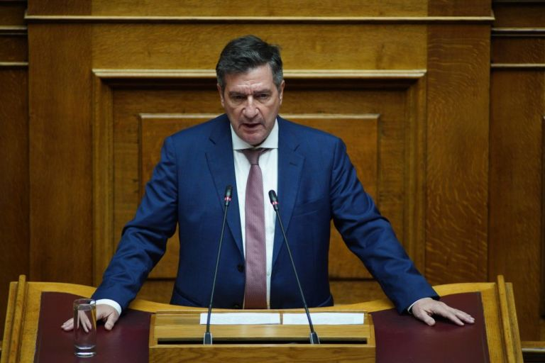Ο Καμίνης χειροκρότησε τον Παπαγγελόπουλο | tanea.gr