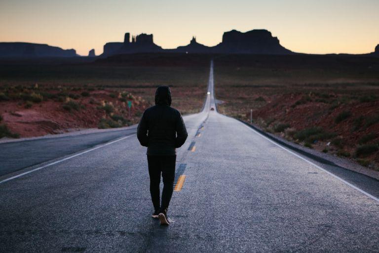 Οι άνθρωποι που περπατούν αργά είναι πιο γερασμένοι σε ηλικία 45 ετών | tanea.gr