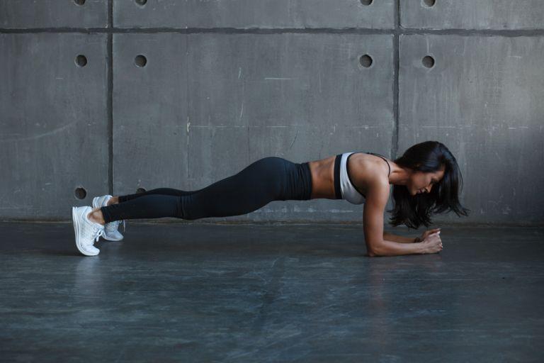Τρεις θαυματουργές ασκήσεις για όσους ξεκινούν τώρα να γυμνάζονται | tanea.gr