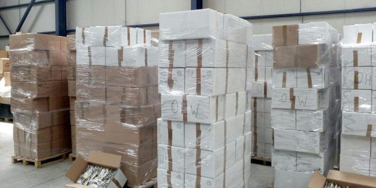 Κατασχέθηκαν πάνω από 3.300 πακέτα λαθραία τσιγάρα -Συνελήφθησαν 3 άτομα | tanea.gr
