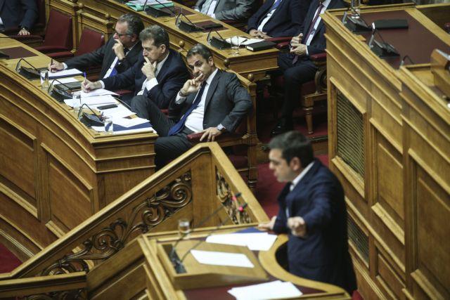 Σκληρή κόντρα Μητσοτάκη – Τσίπρα στην Ολομέλεια της Βουλής | tanea.gr