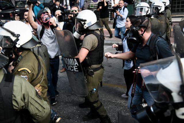 ΑΣΟΕΕ: Επεισόδια με δύο τραυματίες αστυνομικούς και τρεις προσαγωγές | tanea.gr