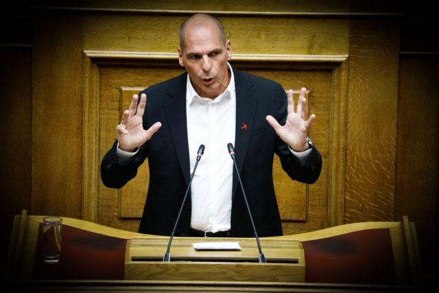 Ο Βαρουφάκης απαιτεί την προσοχή της Ντόρας   tanea.gr
